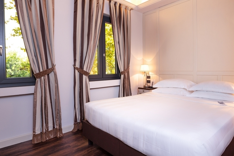 Comfortable rooms at the Glam Boutique Hotel